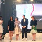 Ministra @HildaHernandezA entrega reconocimiento a embajadores de la marca y a la Presidenta del CNI Aline Flores. https://t.co/WMOls7SeW5