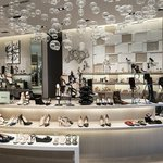 Saks Fifth Avenue plans store opening in Calgary for January 2018 https://t.co/RWjAvfWTtU #yyc https://t.co/uQSKI8jXSR
