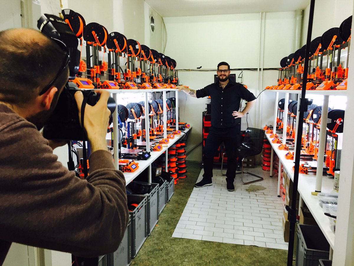 Forbes photo shoot :-) #3dprinting https://t.co/rsdHDnD0oA
