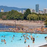 The sun is back again! We have the complete guide to #Vancouvers beaches and outdoor pools: https://t.co/usH0JBz4vx https://t.co/bwdnEvwF3l
