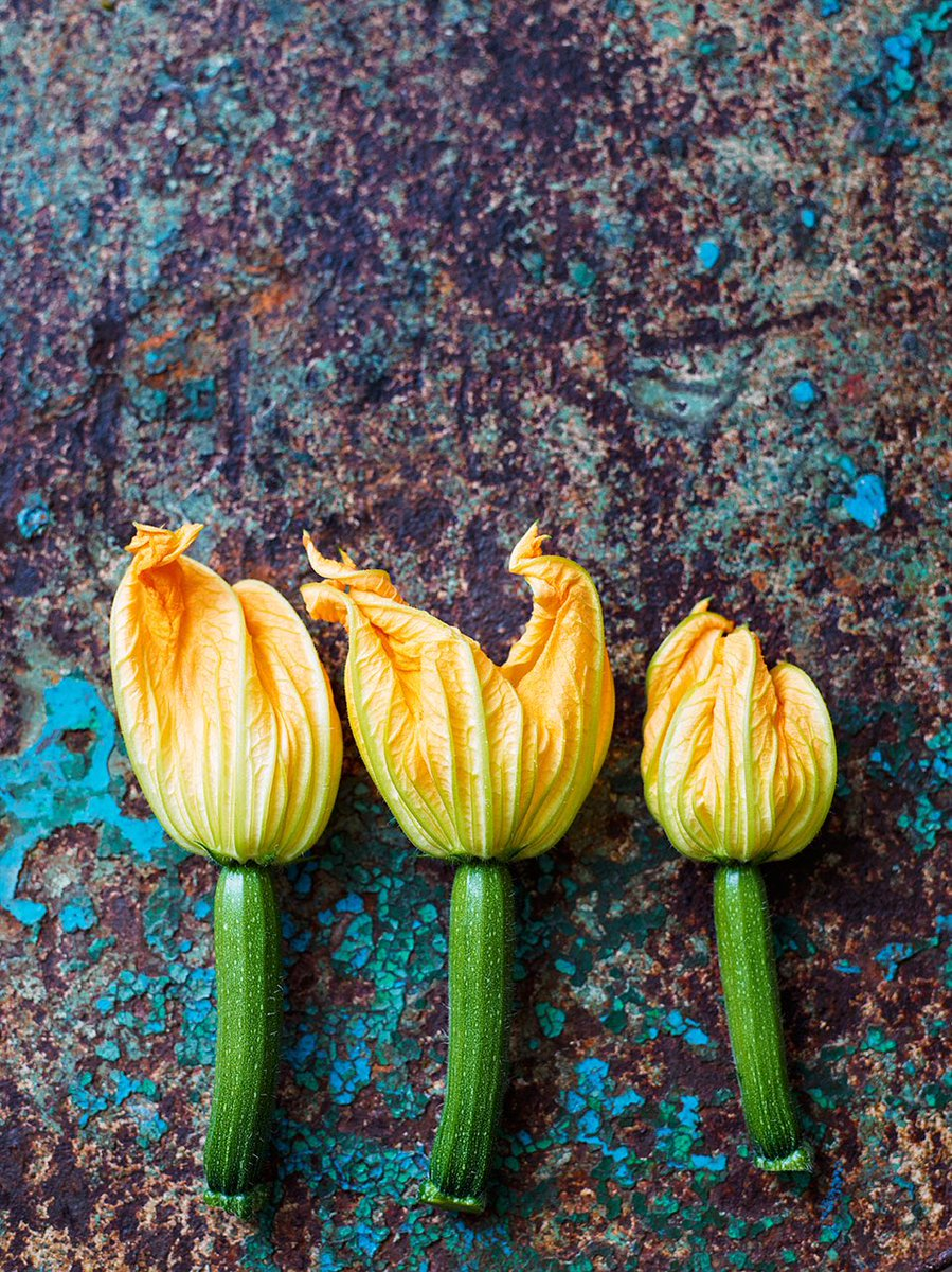 Recipes for gorgeous courgette in this months @JamieMagazine https://t.co/QToaj6OSZk