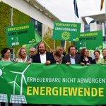 #EEG: Heute vor Kanzleramt für #EnergiewendeRetten demonstrieren, morgen unsere Aktuelle Stunde dazu im #Bundestag https://t.co/ZC3xr2Abg4