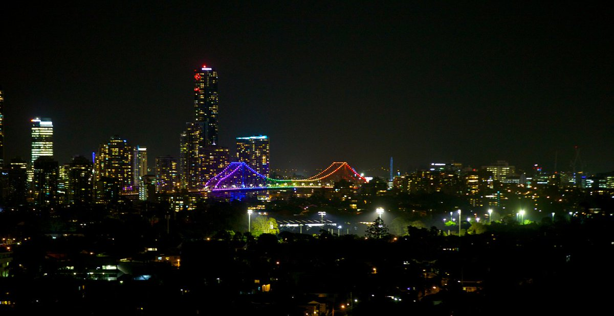 Brisbane is lit up tonight to show solidarity with the people of the United States & LGBTI community. https://t.co/2EJryha1DT