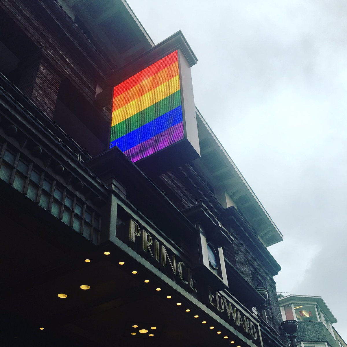 No Aladdin sign tonight at the theatre, just love is love is love #Orlando #LoveWins https://t.co/8gxx0ACvIt