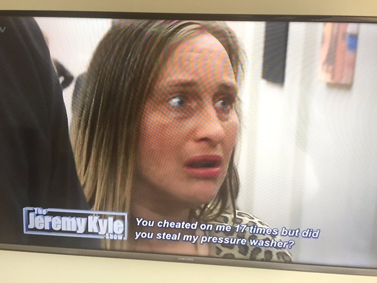In other news this was on Jeremy Kyle this morning. She stole his pressure washer. #E32016 https://t.co/c9IyBbSgdc
