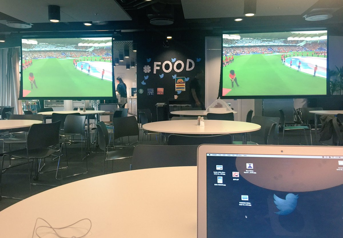 Monday at the office #EURO2016 https://t.co/SdOFpwd1P7