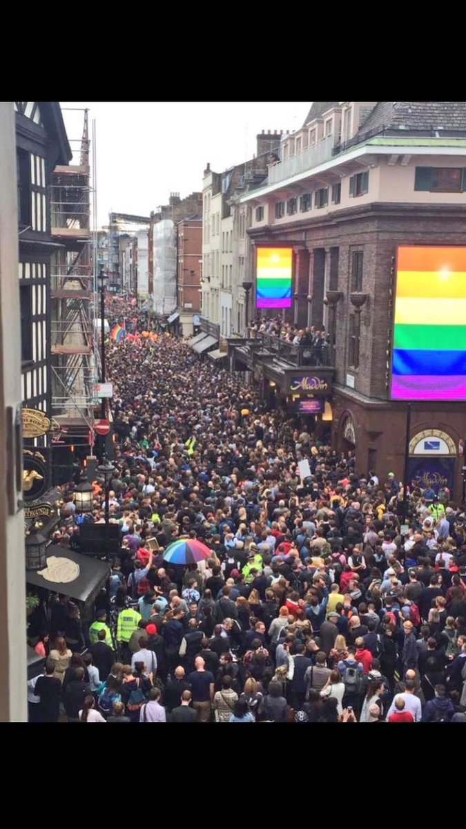 Extraordinary response to Orlando massacre in Soho London. Two minute silence as we stand in solidarity with the US https://t.co/Eo1CadjNgV