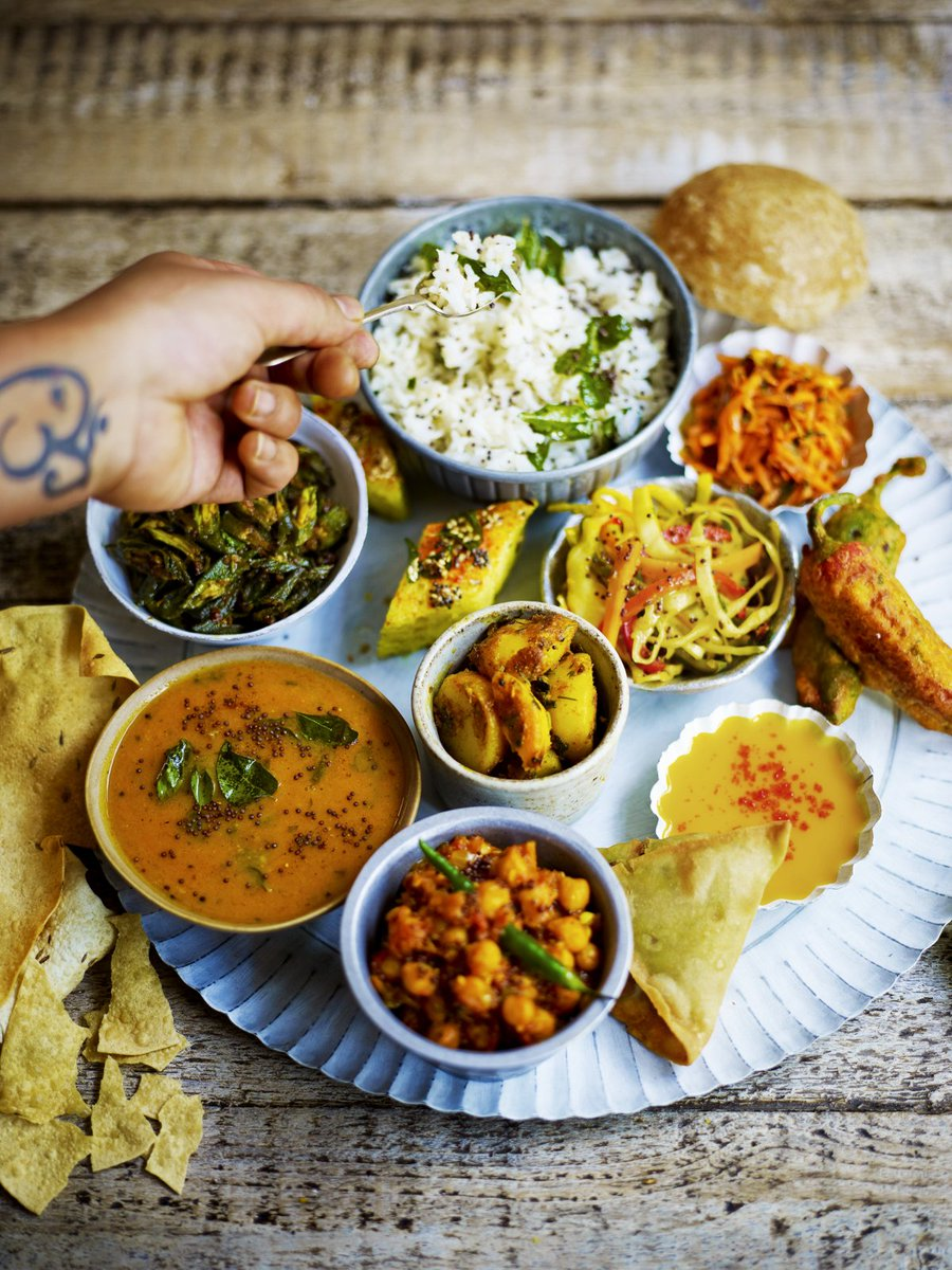 RT @JOCookerySchool: Cook up a veggie storm this #MeatFreeMonday - Gujarati Thali-style! Bring a mate & save £5: https://t.co/TweKMNtbKx ht…