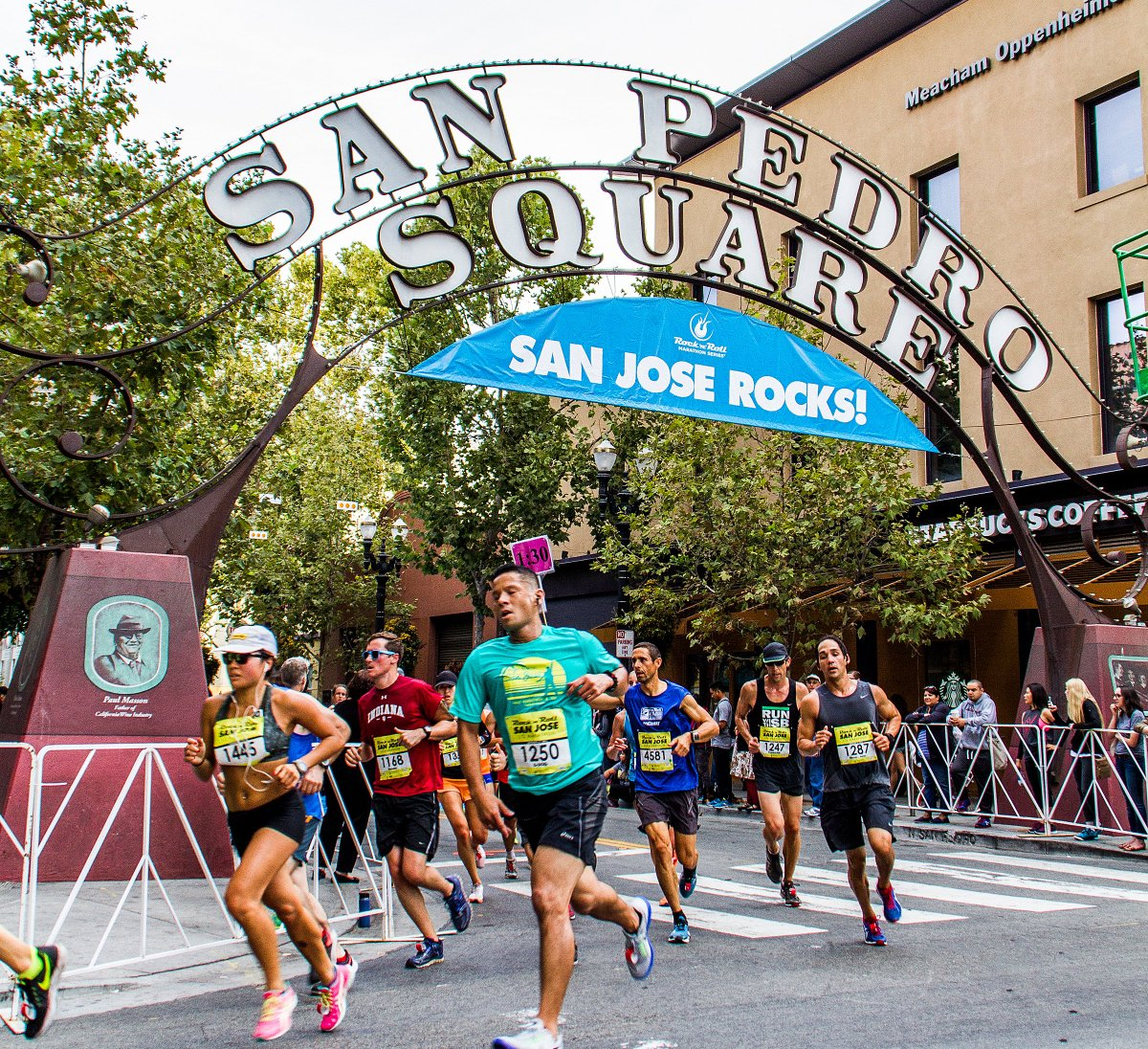 RT @RunRocknRoll: Enter to win an @AlaskaAir flyaway for you and a guest to