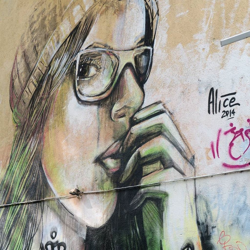 Girls in Berlin 3 @alicepasquini #streetartandgraffiti #streetart #streetarteverywhere #mu… https://t.co/3ooShHZya9 https://t.co/C2wkNPu4Uz