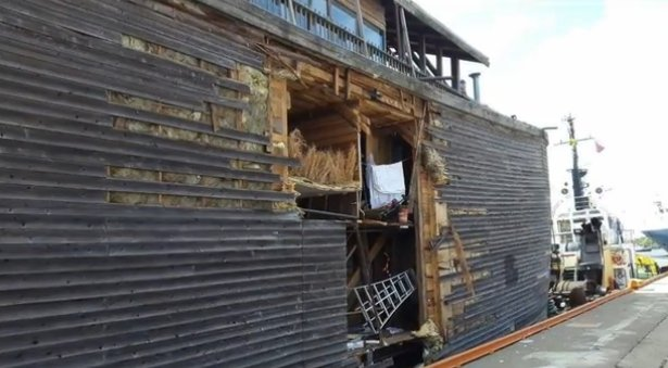 Noah's ark replica crashes in the waters near norway ...