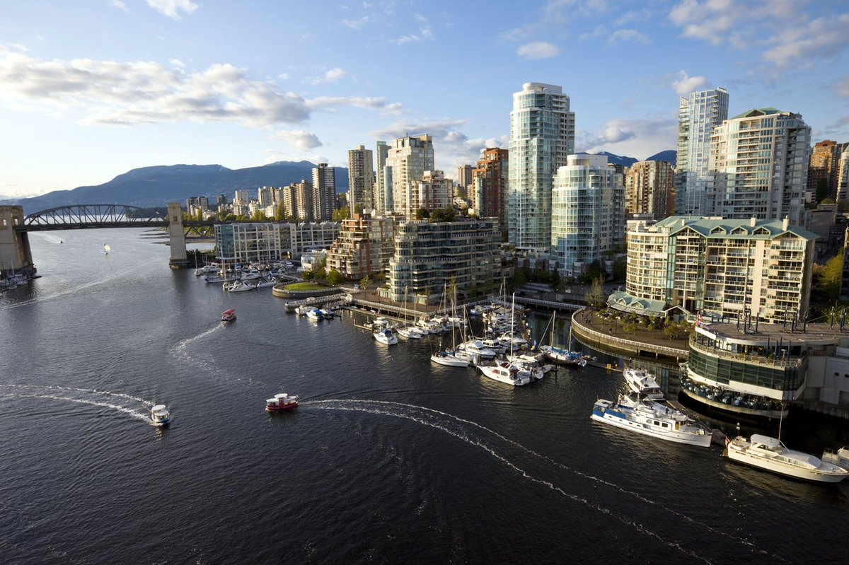 Visit beautiful Vancouver Canada this summer with our special vacation packages