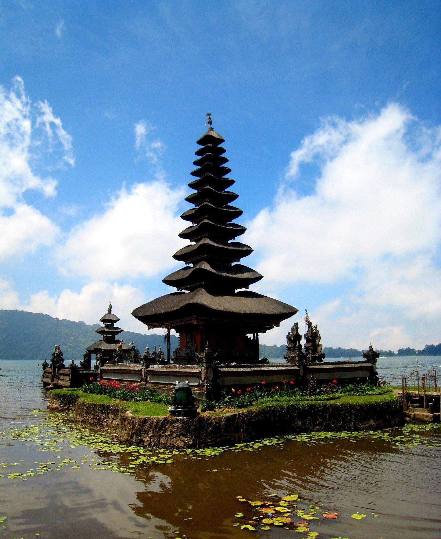 ¿Uno de los lugares más deseados del verano? Bali siempre apetece https://t.co/ozJW1YIntv
