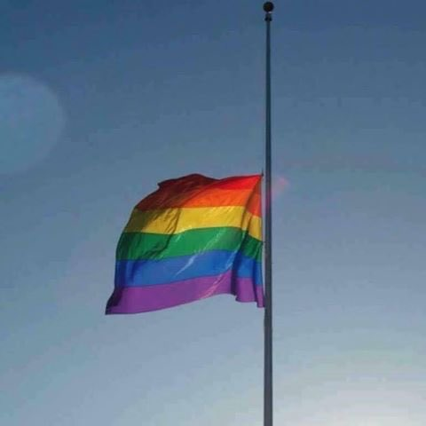 Our prayers and thoughts are with the victims, their families and the community of Orlando. https://t.co/vdN4o5iCx1