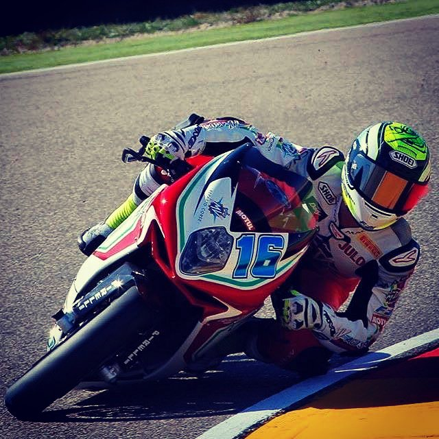 Watch out @JulesCluzel16 pushing himself on his winning machine for misano! Like to show him your support https://t.co/df0KCLcUEY