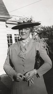 In 1936, Helen C White became the first woman to be a full professor! #ThrowbackThursday @EnglishUW https://t.co/HSpn9Mwm4a