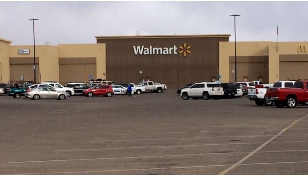 Islamic Terrorists dressed as Wal Mart Employees Shooting, Taking Hostages in Amarillo https://t.co/z2G6rmO02c https://t.co/OMLVT2zuHj