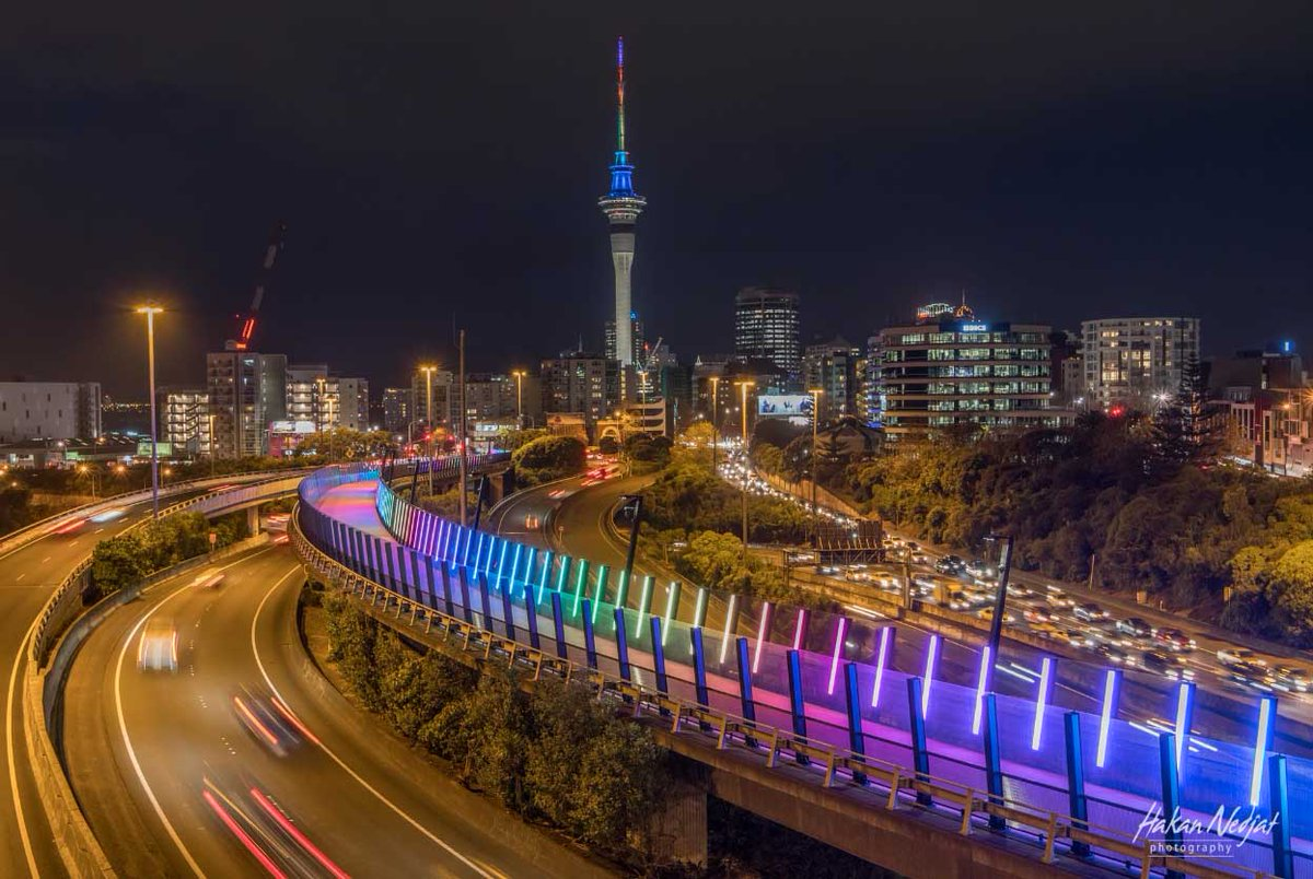 Orlando -  The thoughts of Aucklanders are with you. Our city Lightpath and Sky Tower last night.^JM https://t.co/3eveZIGYbG