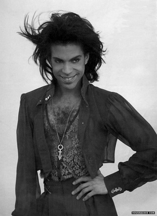 One of my favorite photo shoots of @Prince British Vogue magazine 1990. Rarely took a bad picture. Camera loves him. https://t.co/7aMDInTRoJ