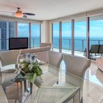 Stunning condo w/ gorgeous direct water views! https://t.co/nkn5ALN7Mf https://t.co/jbhEcycbeG … … … … … … … … …… https://t.co/hdl2toIqIY