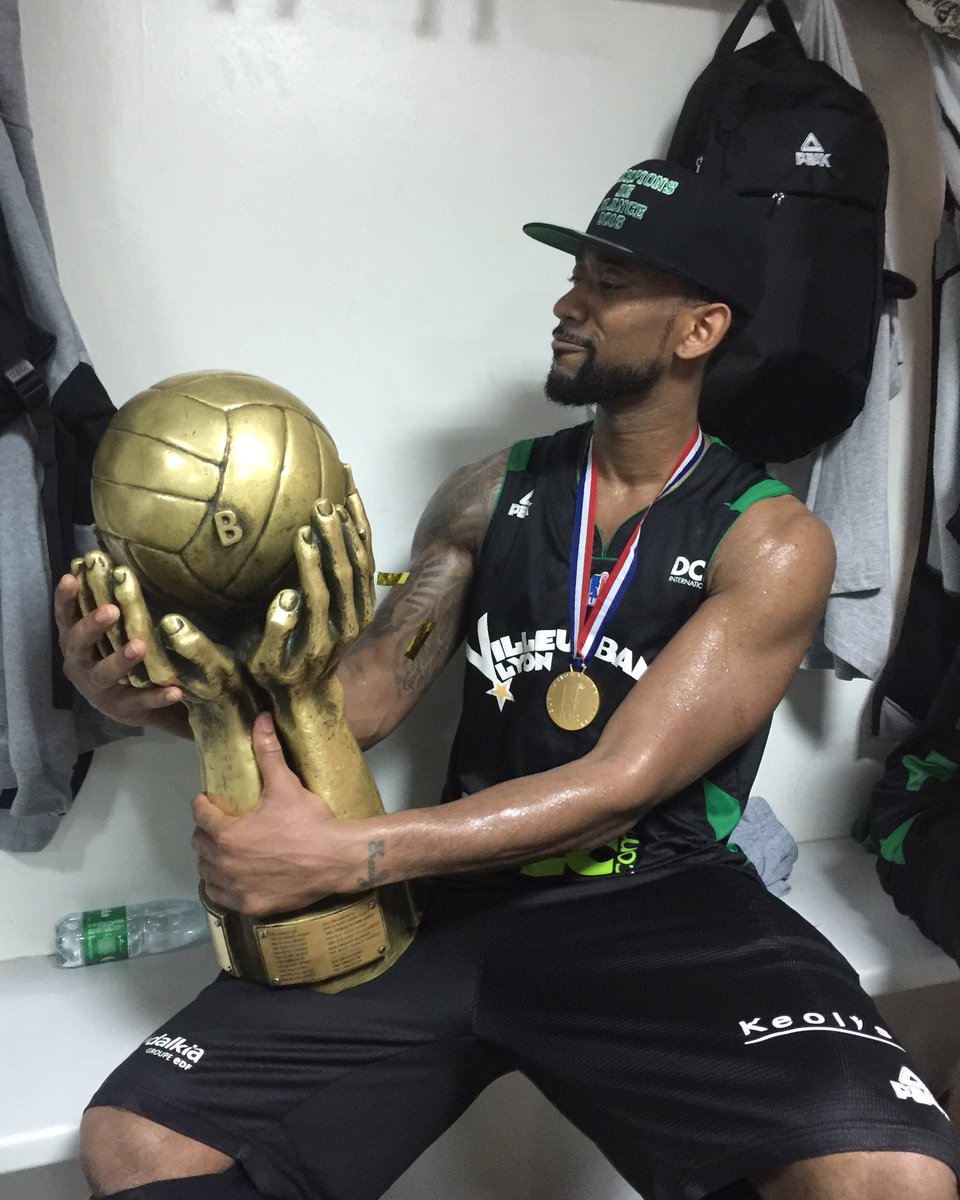 Ohhhhh what a feeling! Allez @ASVEL_Basket competed the mission! Made history came back from 0-2! Champions!! https://t.co/weiECbpISo