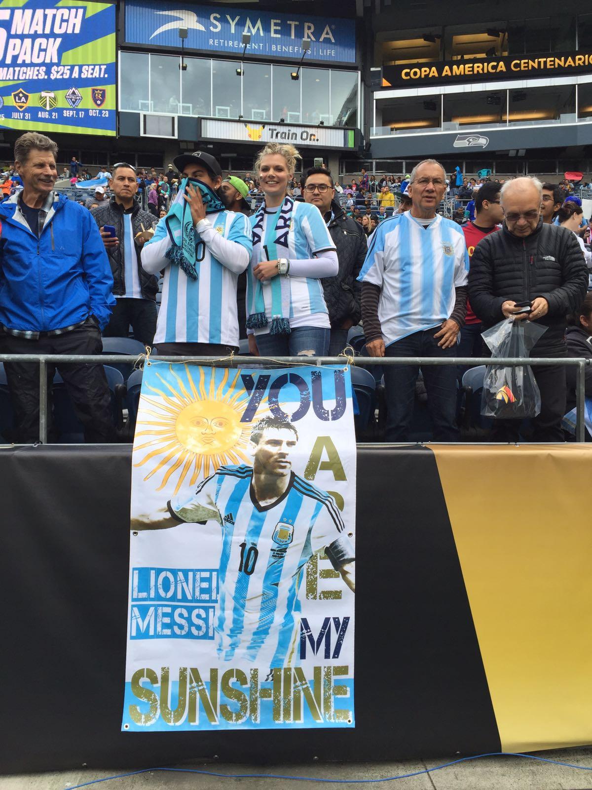#CopaAmerica ¡Gracias a nuestros fans en esta @CA2016! ¡Vamos @Argentina! https://t.co/b5Z148CLWl