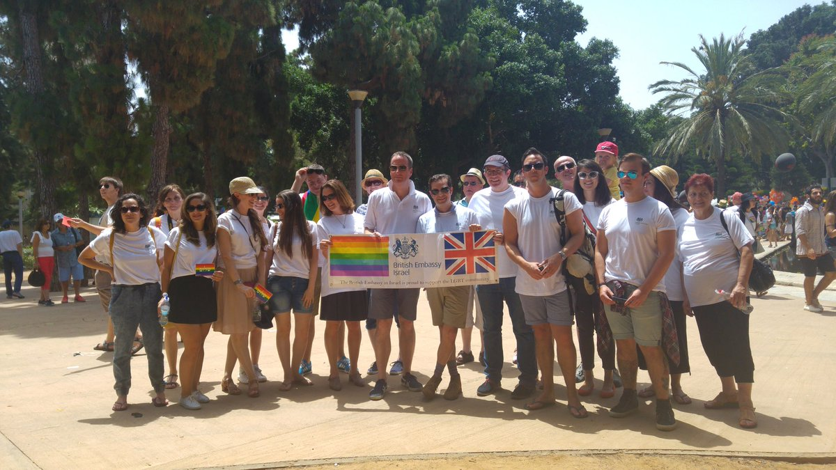 Fantastic atmosphere at #PrideTelAviv @DavidQuarrey & British Embassy colleagues proud to be marching. https://t.co/lV3wBIeTc2