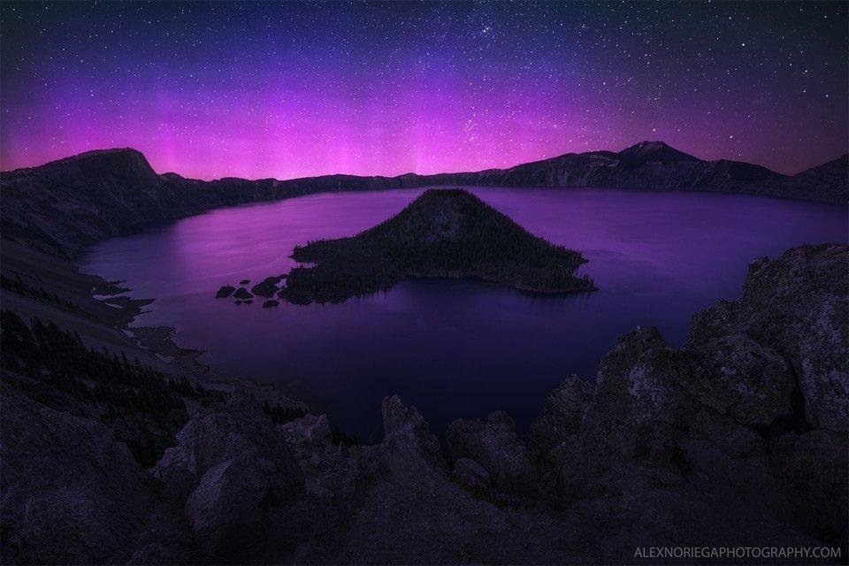 Purple Aurora Borealis Over Crater Lake, Oregon | Photography by ©Alex Noriega https://t.co/KPCWylF1YC