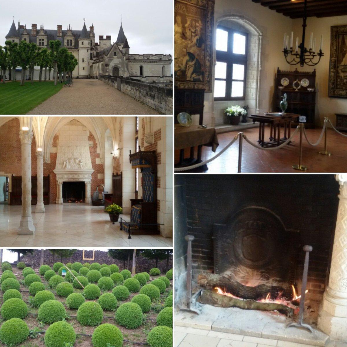 Il Castello Reale di #Amboise, un'affascinante edificio che domina il fiume #Loira dall'alto #FranceFR #LoireValley https://t.co/bjd8VL6DBD