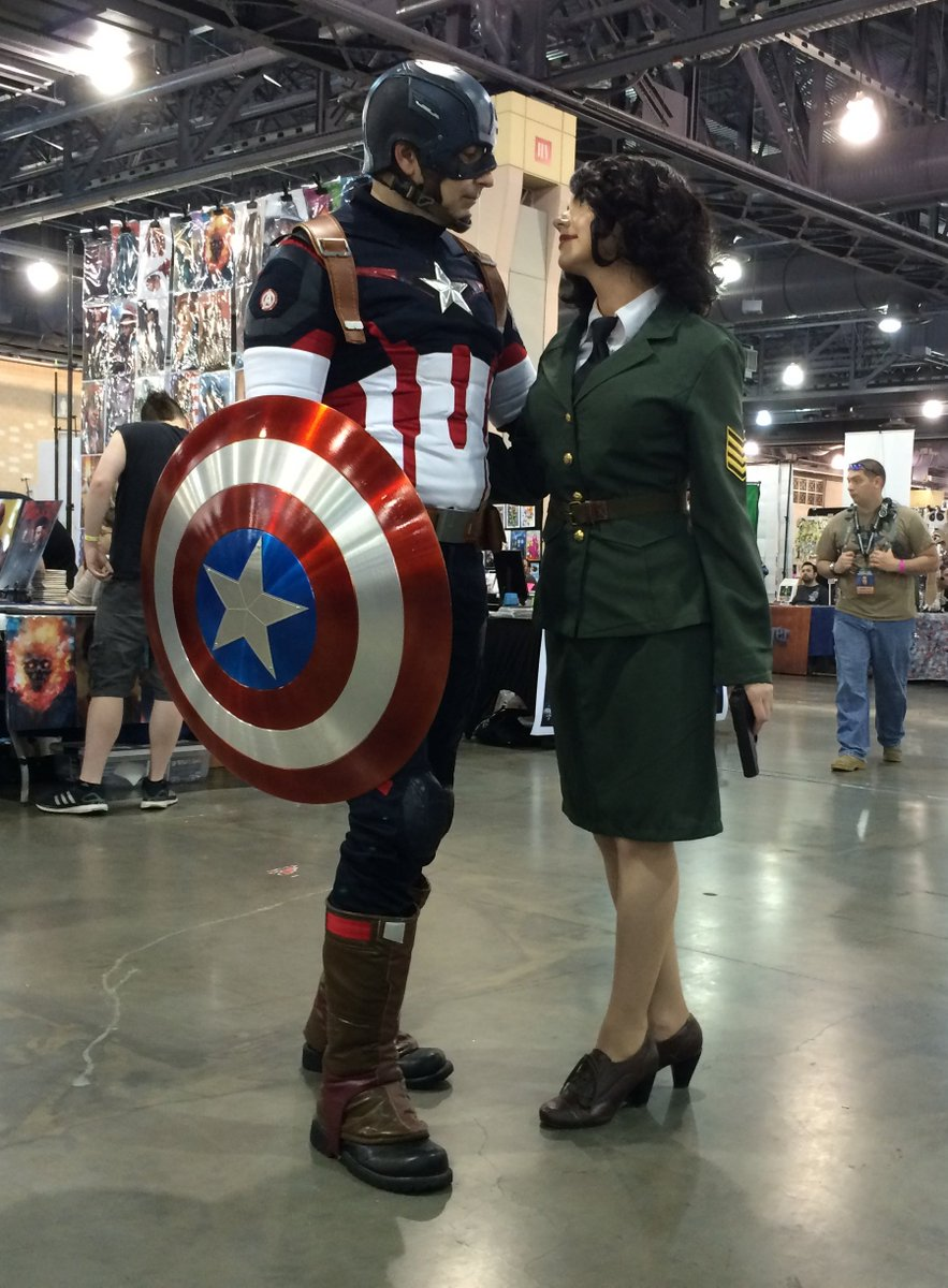 #CaptainAmerica and #AgentCarter! @WizardWorld #Philly #ComicCon #Cosplay https://t.co/IscDcyiCmM https://t.co/AJtmEYl7Hq