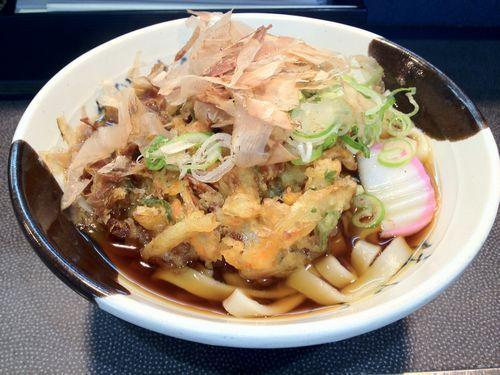 名古屋駅のホーム、降りた瞬間食べたくなるのは何故? #きしめん #名古屋駅ホーム #住よし https://t.co/WFd6kzu4Uh