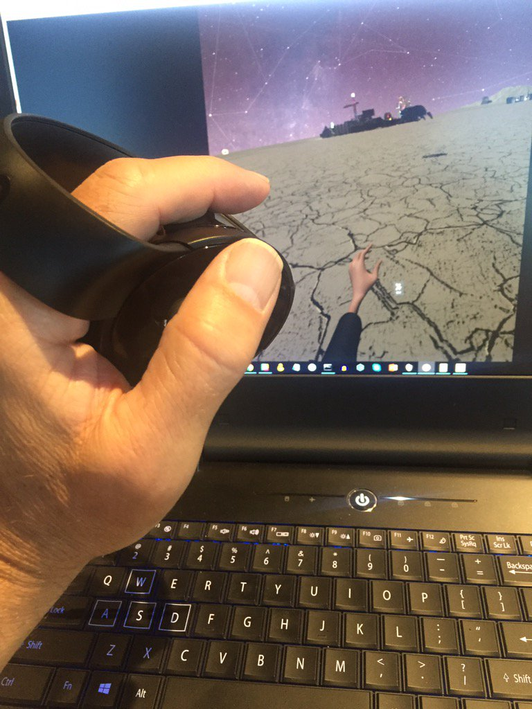 The oculus touch controllers are just amazing.  Such a beautiful design.  @oculus @highfidelityinc https://t.co/0RxKpdW2hk