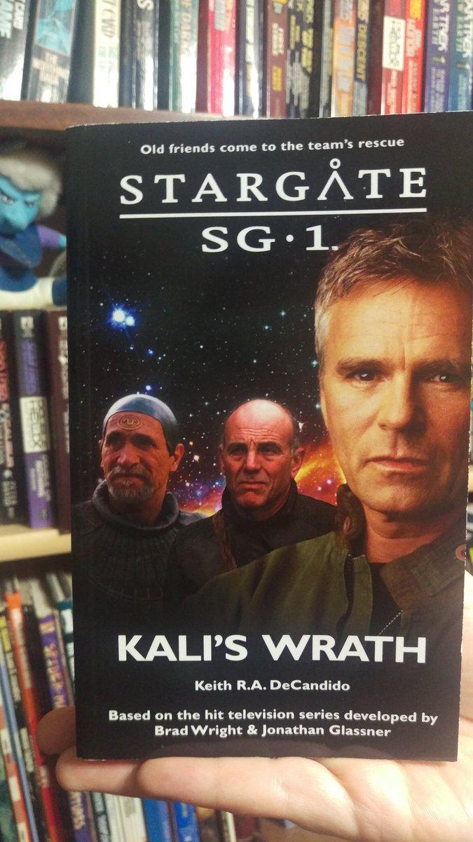 IT'S A BOOK! My hot-off-the-press copy of my STARGATE SG-1 novel KALI'S WRATH! @StargateNovels https://t.co/eFUfXeZNWy