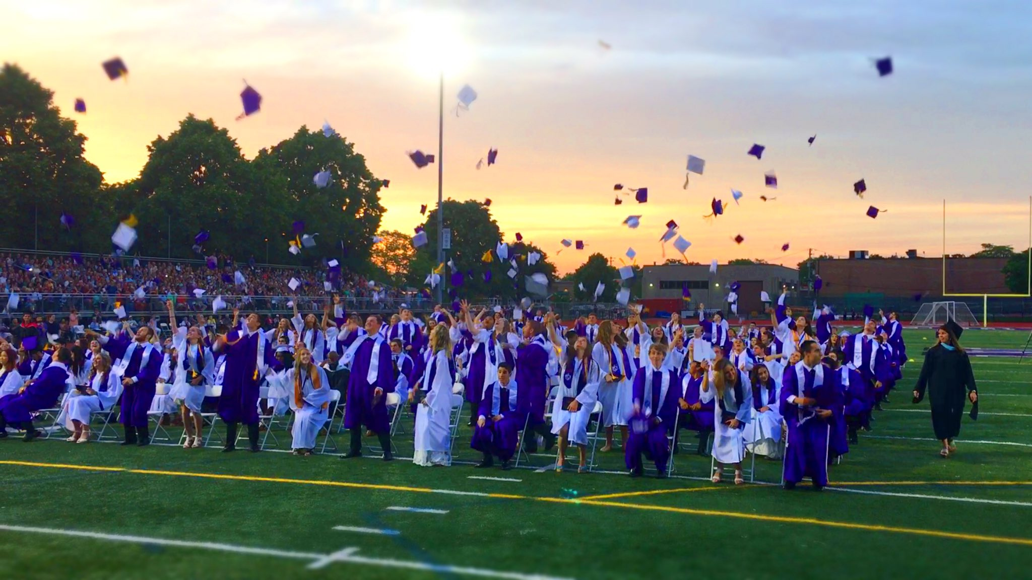 Congrats Class of 2016! #WeAreDGN #99Learns https://t.co/GG4bUpHyYJ
