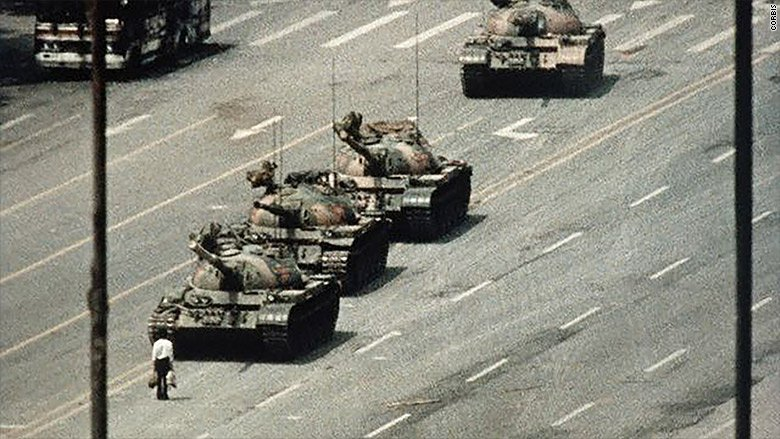 27 years ago today, one pro-democracy protester stood his ground. Let's remember him. #TiananmenSquare https://t.co/x5gvWDIqKx