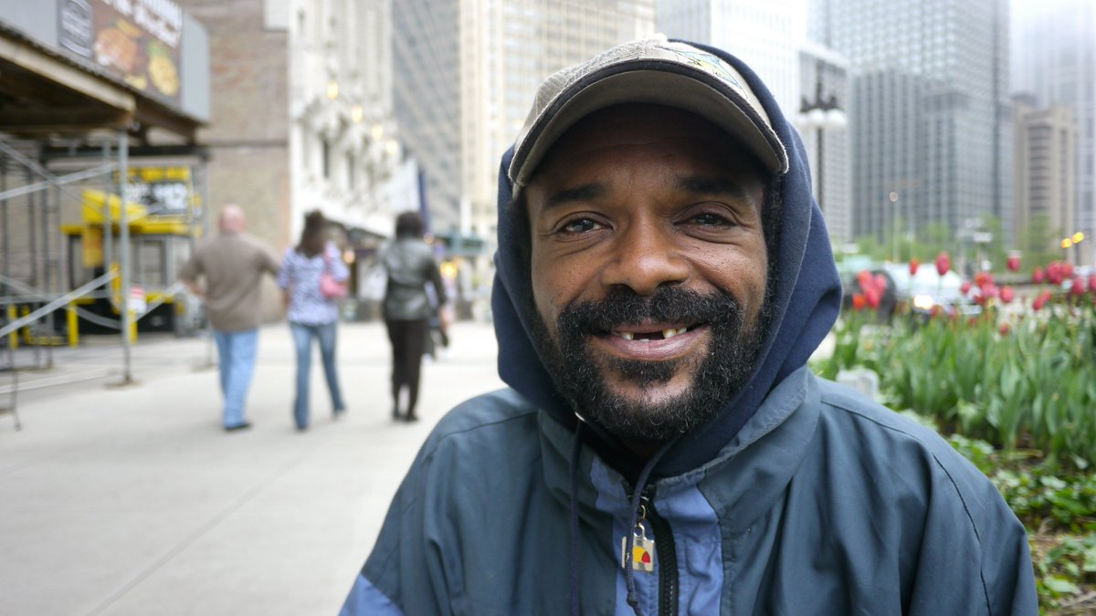 Homeless in Chicago: Who is going to give a one-armed homeless man w/ a criminal past a job? https://t.co/CosAKoHb1F https://t.co/TjcoqaFXku