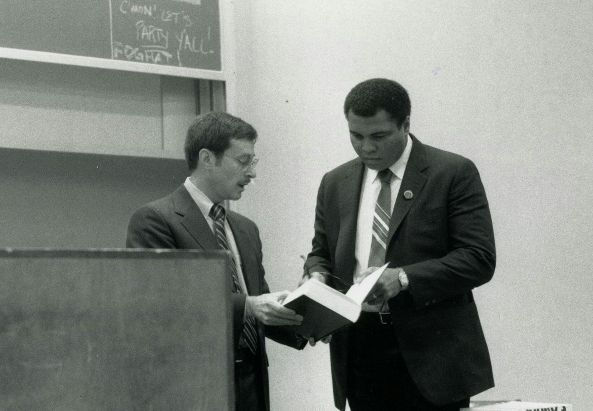 At a #UVALaw class in 1988, #MuhammadAli discussed being a conscientious objector and the case he took to #SCOTUS https://t.co/VscdBx5BNs