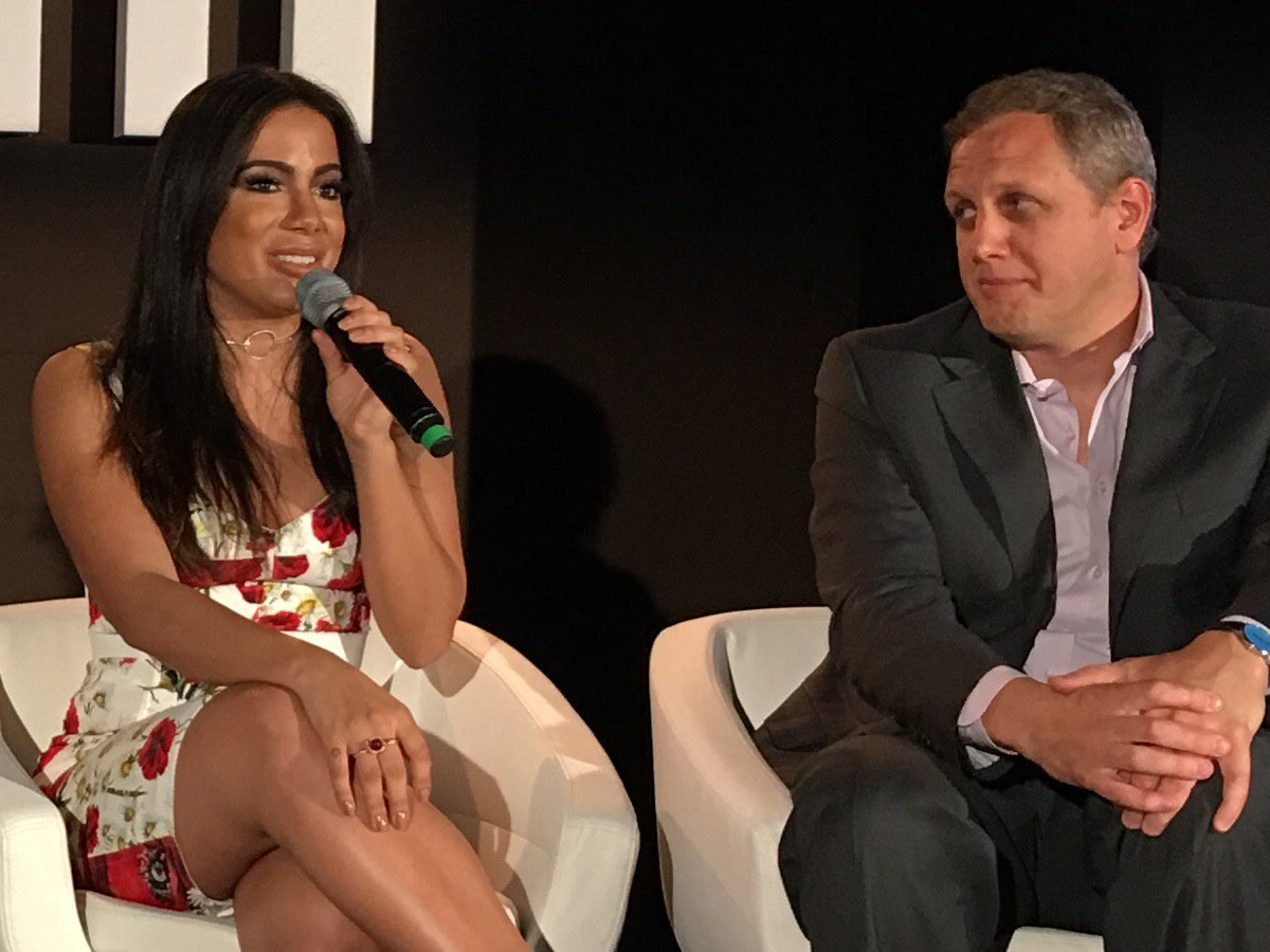.@Anitta, Alibaba, @imogenheap and the #blockchain, playlists+more - day 3 conf wrap #midem  https://t.co/axEK5KF64g https://t.co/RVKMhOCWWY