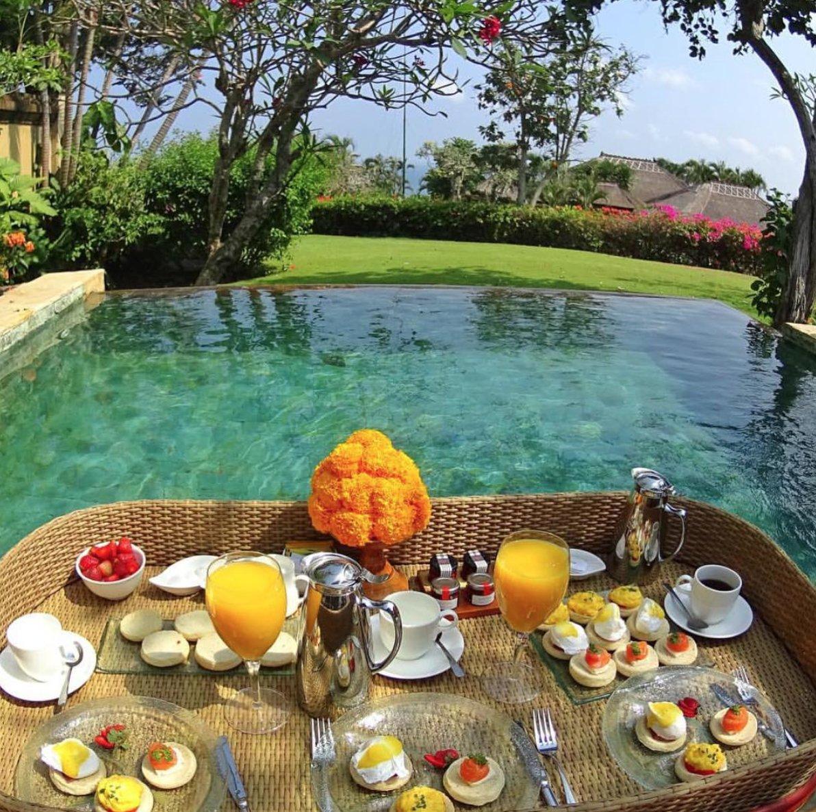 #brentsmithlifestyle #bsl #breakfast #bali https://t.co/YltU5MOVRv