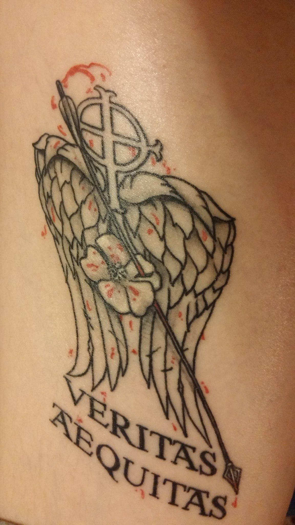 My tattoo! ❤ #brothers #TheWalkingDead #boondocksaints @seanflanery @wwwbigbaldhead @WalkingDead_AMC @BoondockSaints https://t.co/OOpPbwa1Tf