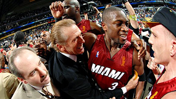 Last team to come back down 0-2 in the Finals?   The 2006 Miami Heat. (Teams leading 2-0 are 28-3 in Finals) https://t.co/PNgWnQj4ok