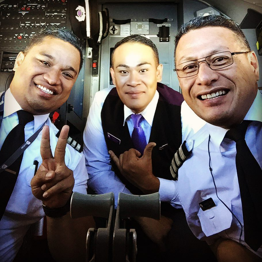 How awesome! The captain, first officer, and inflight manager of this #Virgin flight are all Tongans! @TongaNews https://t.co/409S6BepQH
