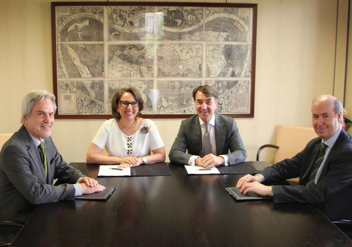 Fundación Carolina ha firmado hoy el acuerdo de adhesión a la alianza para la Movilidad Académica Iberoamericana https://t.co/RghRmA1SrE
