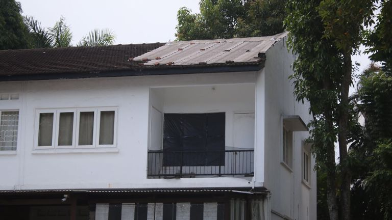 JUST IN: Roof Awnings At Chip Bee Gardensu0027 Terraced Houses To Be Replaced  Due