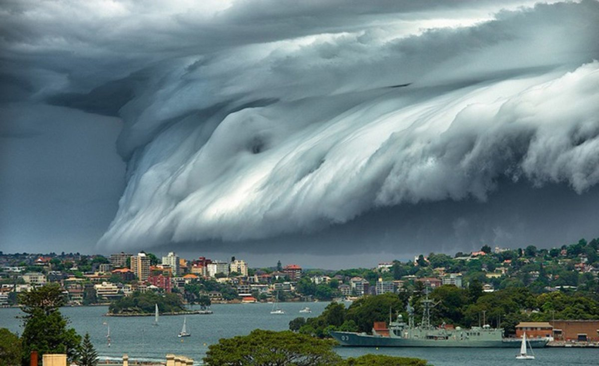 Terrifyingly Fascinating 'Cloud Tsumani' Sweeps Over #Sydney, #Australia https://t.co/j2AL7YaDdg #climate #weather https://t.co/OgkcSVJ22K