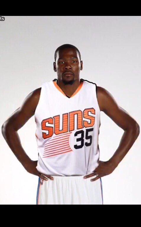 #BREAKING Kevin Durant will play for the Suns next season! #Championship #OrAtLeastPlayoffs https://t.co/IEETo0z0So