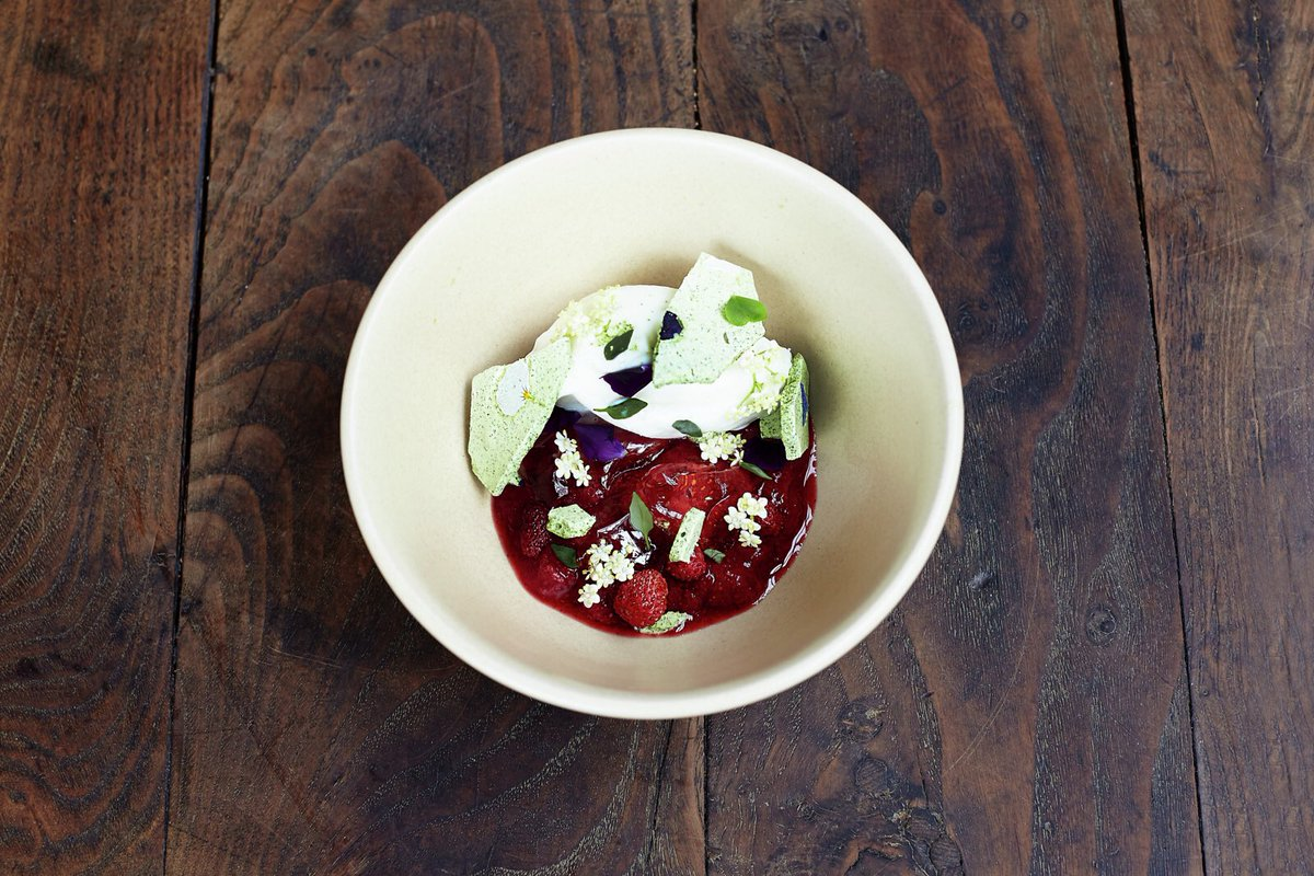 Gorgeous new dishes on @JamiesFifteen menu https://t.co/fJPcVYeNhN