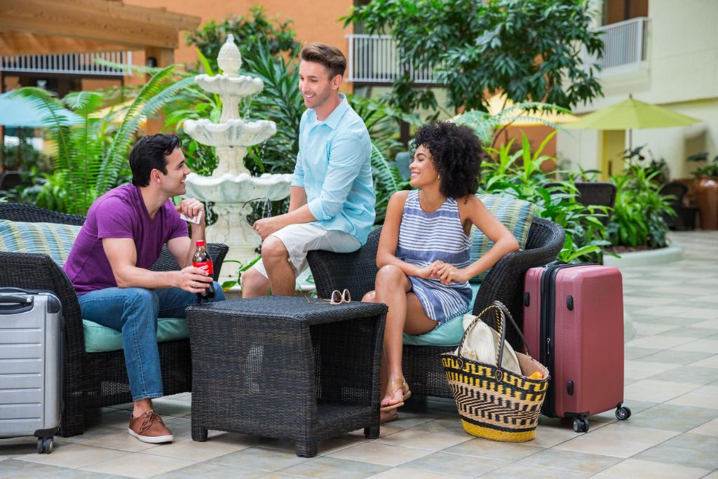 This summer, earn at least 65k bonus points & a free night to share. Join IHG Rewards Club: https://t.co/1k4xDKU6bv https://t.co/rBAN6x6Pg2