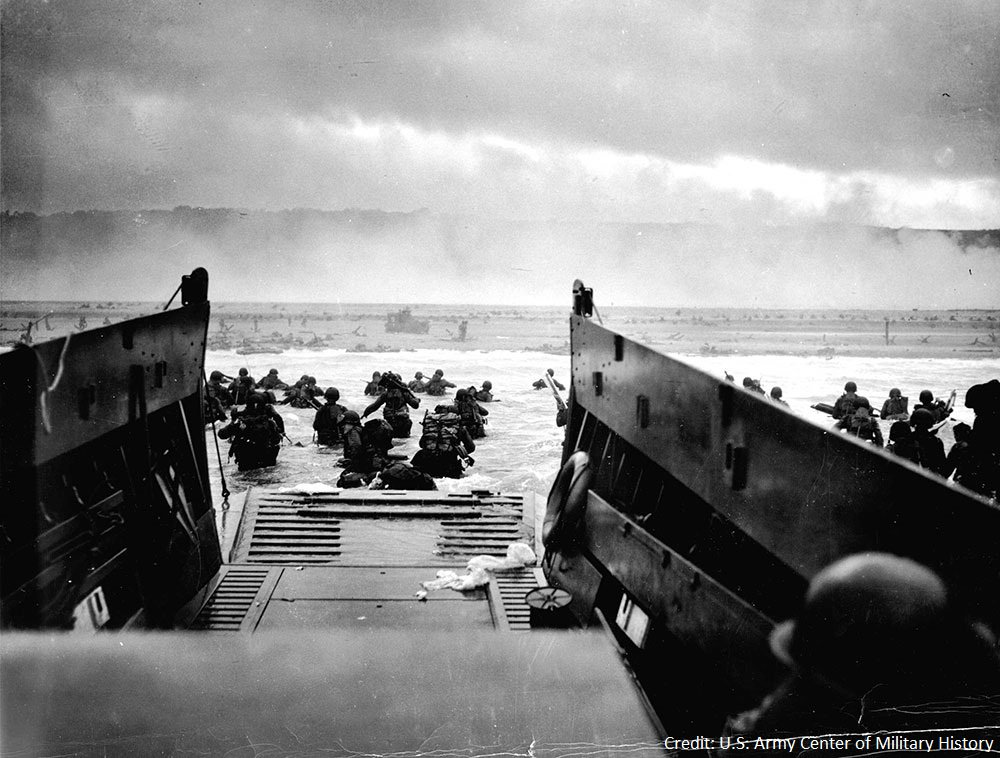 72 years ago today, Allied forces showed the true meaning of courage as they stormed the beaches of Normandy. #DDay https://t.co/ObOkiNJzjz