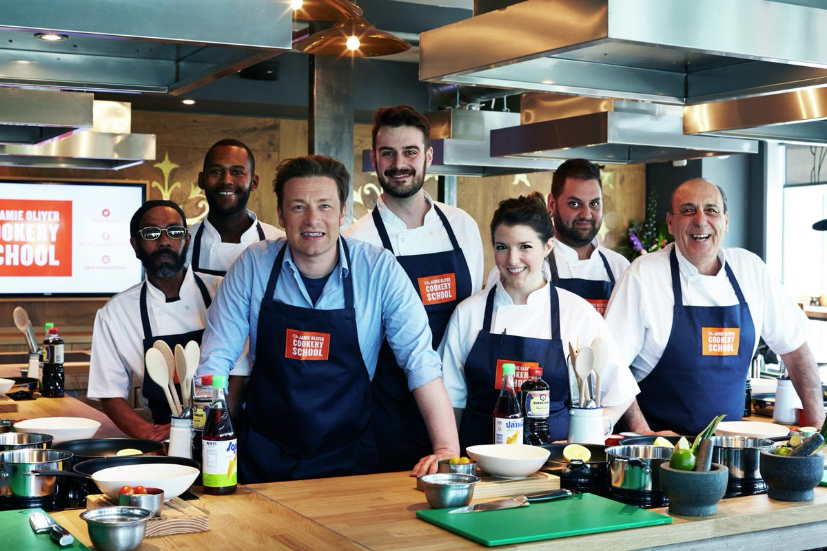 RT @JOCookerySchool: Whether you're a beginner or pro, @jamieoliver's got something for everyone – check it out: https://t.co/TweKMNKN97 ht…